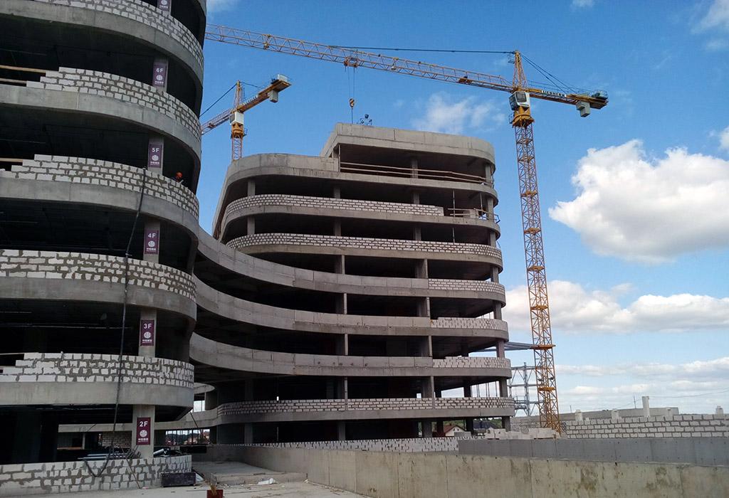 монолитное здание из армированного бетона